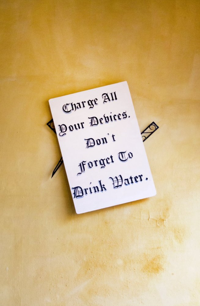 Garrett Nelson, 'charge all your devices don't forget to drink water' (2015) Install view. Courtesy Museo de la Ciudad Querétaro, México.